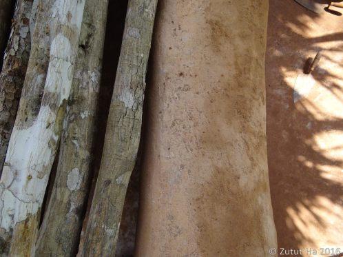 Colocación de losa de madera para el baño compostero
