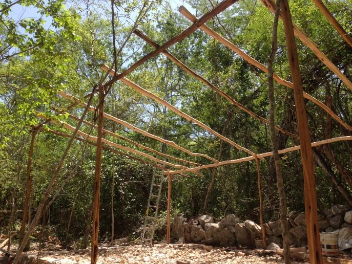 Estructura lista para colocar el plástico invernadero